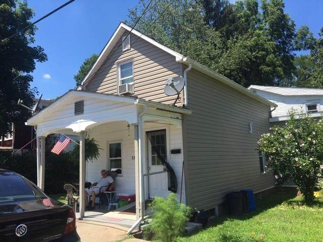 329 E Franklin Street, Waynsbrg/Frankln Twp, PA 15370 (MLS #1466549) :: Broadview Realty