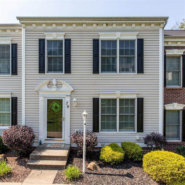 70 Castleview, Kennedy Twp, PA 15136 (MLS #1467560) :: Broadview Realty