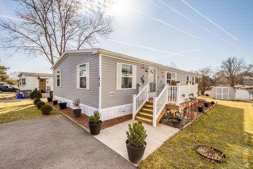 412 Sunnydale Dr, Cranberry Twp, PA 16066 (MLS #1474336) :: Broadview Realty