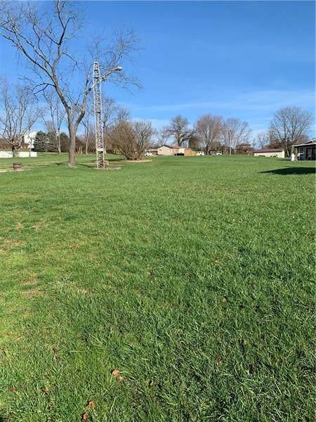 2808 W Crawford  Ave., Dunbar Twp, PA 15425 (MLS #1478608) :: Broadview Realty