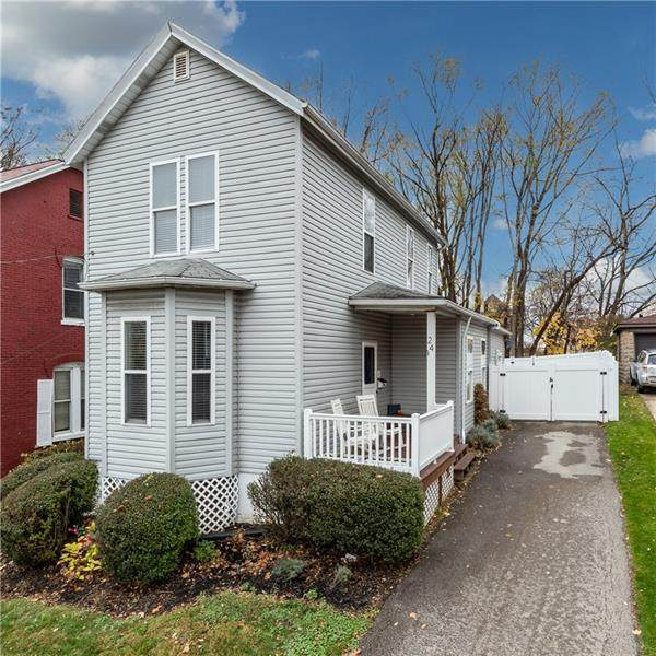24 Starr Ave - Photo 1