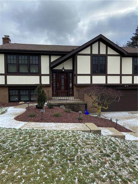 1170 Huston Dr, West Mifflin, PA 15122 (MLS #1483964) :: Dave Tumpa Team