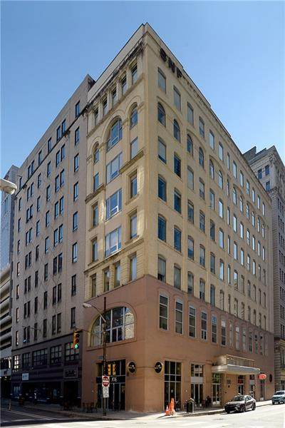 11 5th Ave #702, Downtown Pgh, PA 15222 (MLS #1485089) :: Dave Tumpa Team