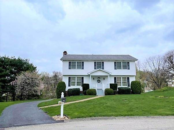308 Pardus Court, Hempfield Twp - Wml, PA 15601 (MLS #1493981) :: Broadview Realty