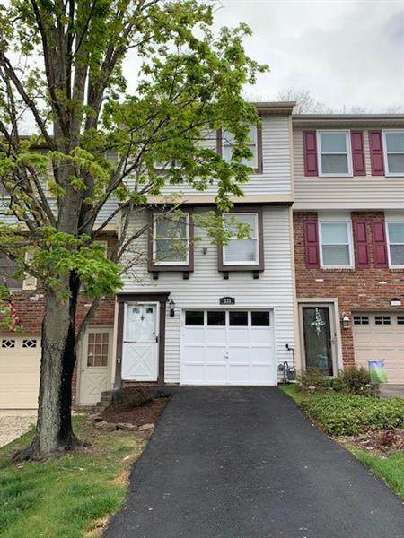 333 Joan Of Arc Court, Jefferson Hills, PA 15025 (MLS #1494596) :: The SAYHAY Team