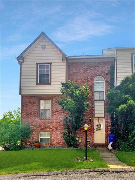 2601 Timberglen Dr, North Fayette, PA 15126 (MLS #1503489) :: The SAYHAY Team
