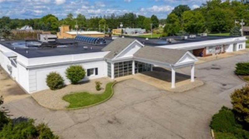 1 Greenville Orthopedic Center - Photo 1