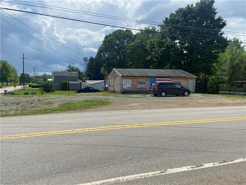 2114 Leesburg Grove City Road - Photo 1