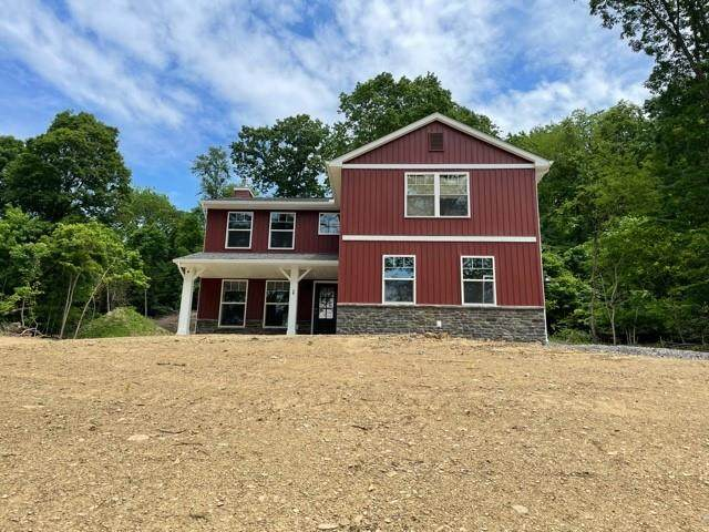 10 Everly Ln, North Fayette, PA 15126 (MLS #1505364) :: The SAYHAY Team