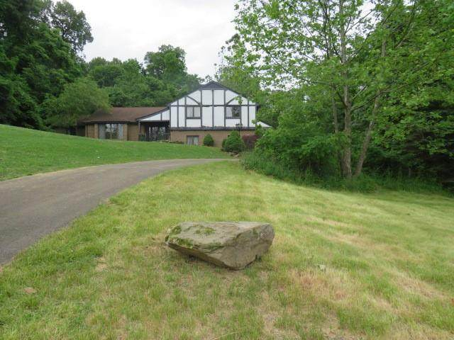 118 Oakhurst Dr, Peters Twp, PA 15317 (MLS #1505900) :: The SAYHAY Team