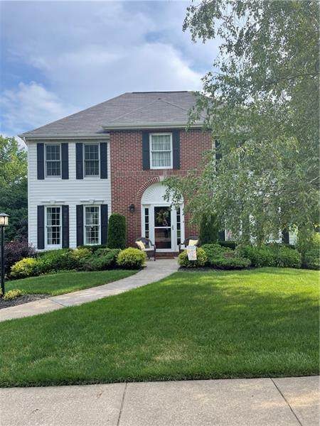 206 Hampshire Dr, Cranberry Twp, PA 16066 (MLS #1507159) :: The SAYHAY Team