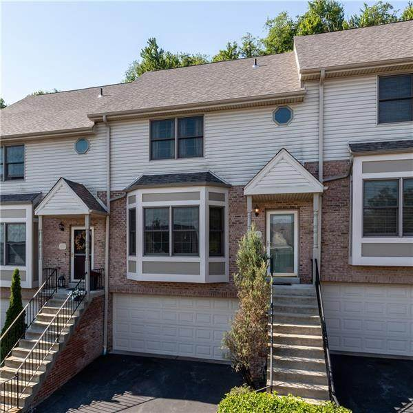319 Woodcrest Dr, North Fayette, PA 15108 (MLS #1508123) :: The SAYHAY Team