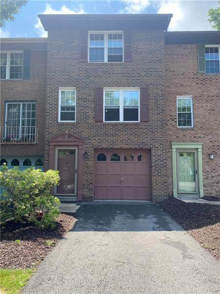 109 Westchester Cmns, Mccandless, PA 15090 (MLS #1510517) :: The SAYHAY Team