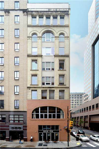 11 5th Ave #303, Downtown Pgh, PA 15222 (MLS #1524173) :: The SAYHAY Team