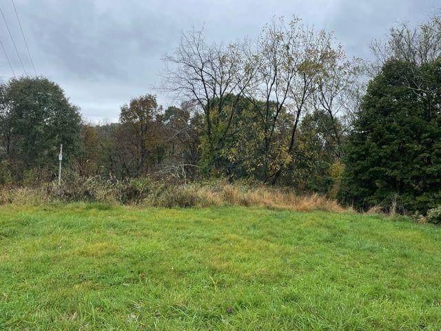 4712 Mill Stream Ct, Murrysville, PA 15668 (MLS #1527731) :: Dave Tumpa Team