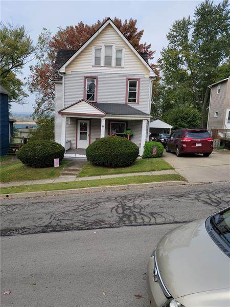 32 Hamilton Ave, Wheatland, PA 16161 (MLS #1527806) :: Dave Tumpa Team