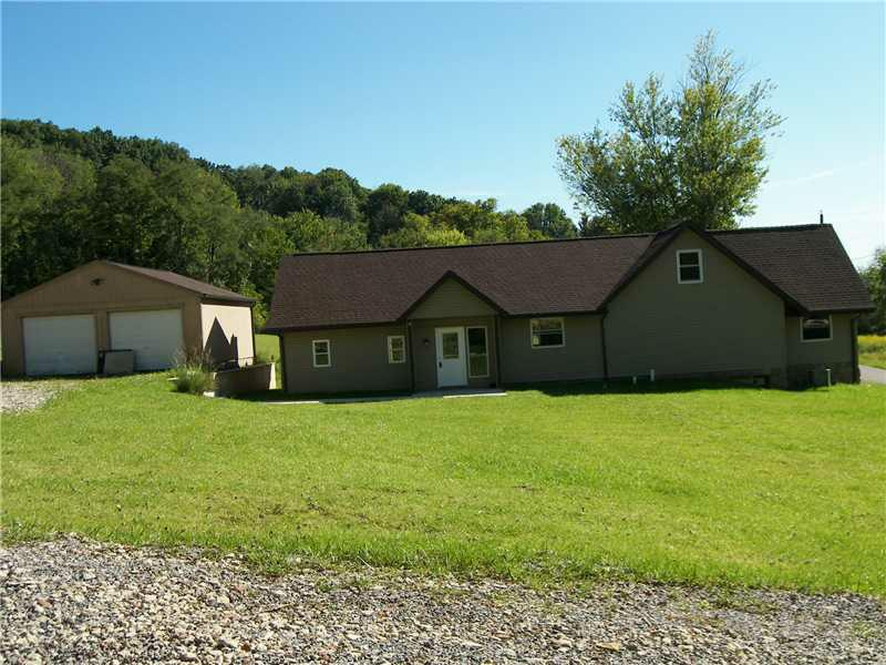 145 Truver, Middlesex Twp, PA 16059 (MLS #932565) :: Keller Williams Realty