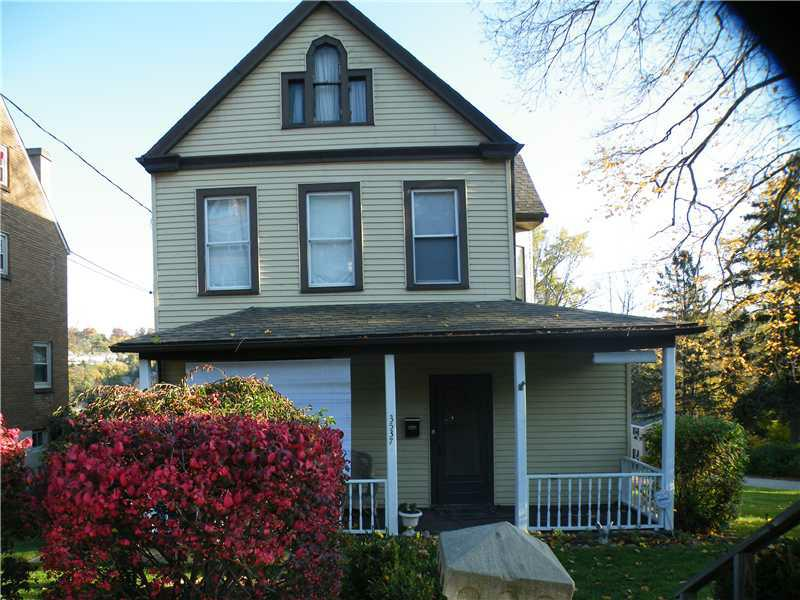 3537 Poplar Ave, Castle Shannon, PA 15234 (MLS #938300) :: Keller Williams Pittsburgh