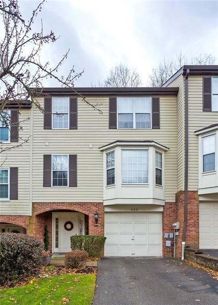 650 Newport Dr, Penn Hills, PA 15235 (MLS #1381078) :: Broadview Realty