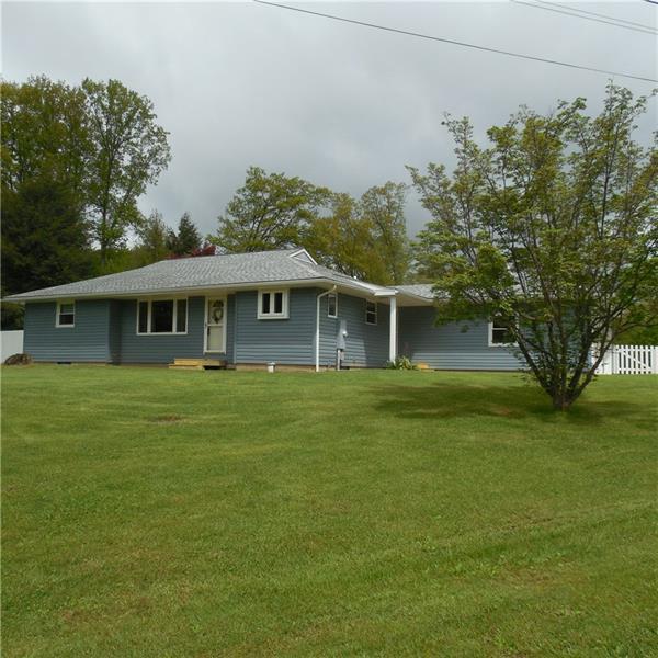233 Willowbrook Drive, Pulaski Twp - Law, PA 16143 (MLS #1395365) :: REMAX Advanced, REALTORS®