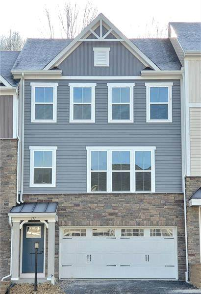 151 Moyer Hill Drive, Cranberry Twp, PA 16066 (MLS #1468604) :: Broadview Realty