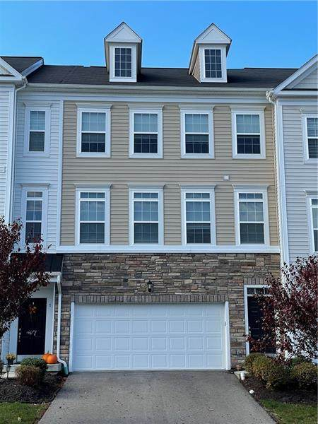 5 Roosevelt Dr, Kennedy Twp, PA 15136 (MLS #1476868) :: Broadview Realty