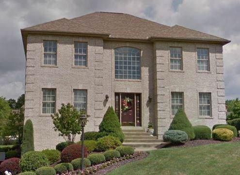 373 Oaklawn Dr, Upper St. Clair, PA 15241 (MLS #1413070) :: Dave Tumpa Team