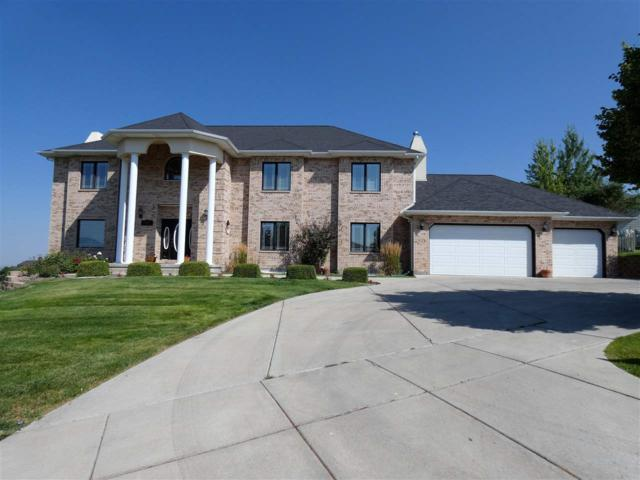 2905 Hillview Dr, Pocatello, ID 83201 (MLS #560657) :: The Perfect Home-Five Doors