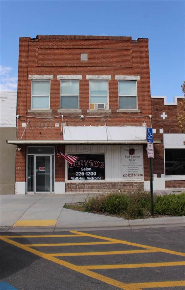 207 Idaho Street, American Falls, ID 83211 (MLS #563574) :: Silvercreek Realty Group