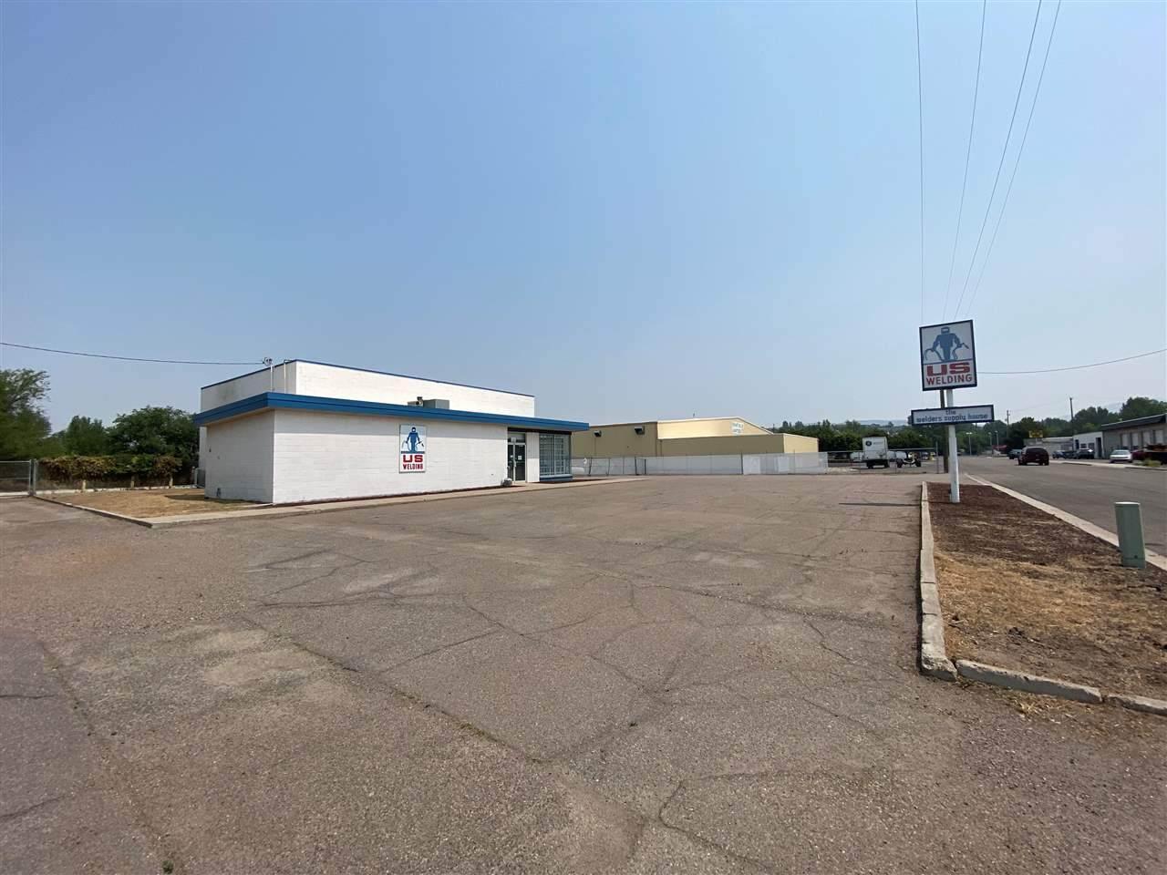610 Industrial Way - Photo 1