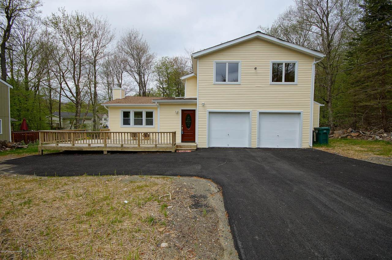 2595 Waterfront Dr - Photo 1