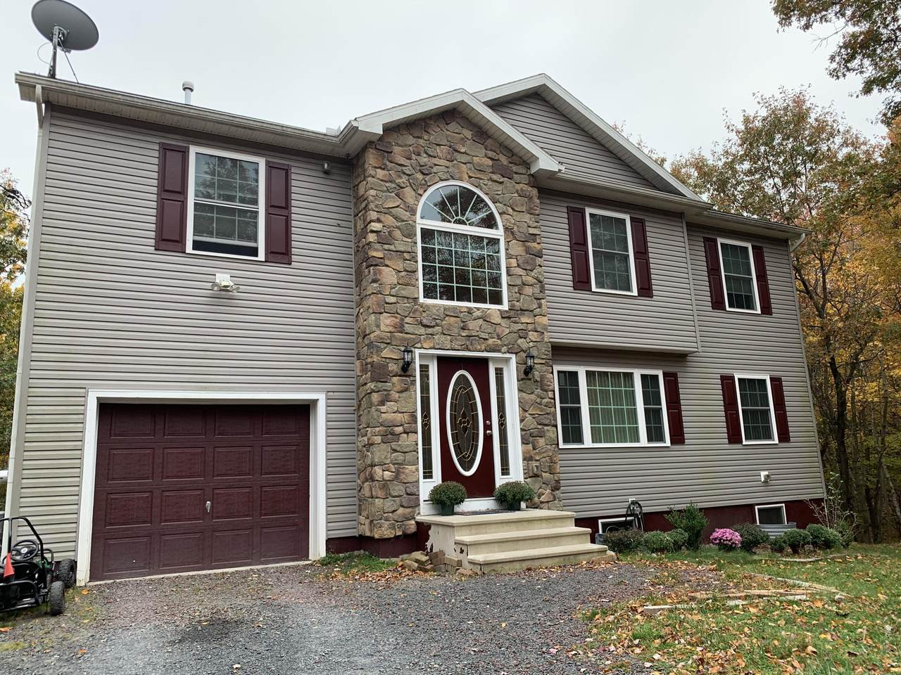 114 Country Ct - Photo 1