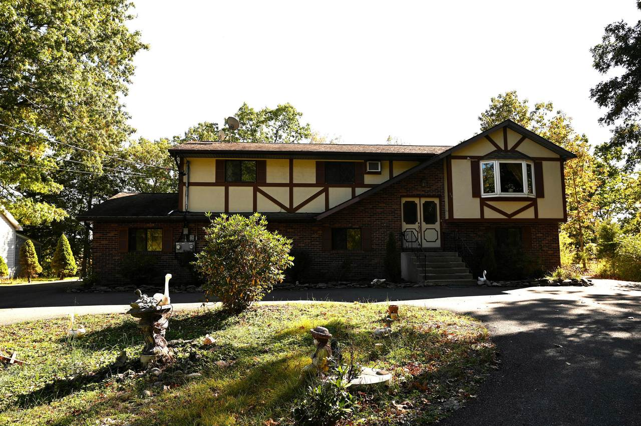 86 Lower Lakeview Dr - Photo 1