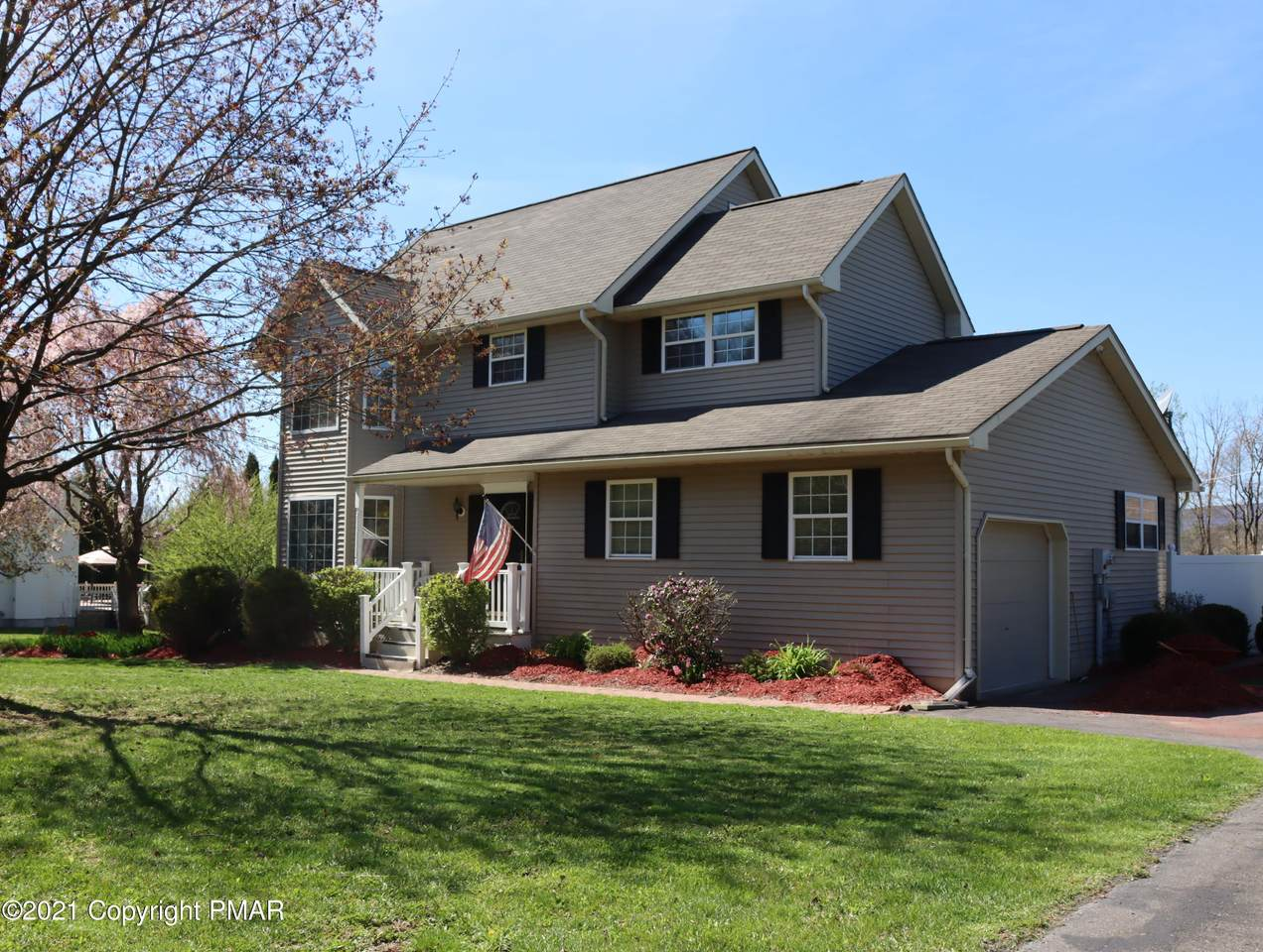125 Meadow Dr - Photo 1