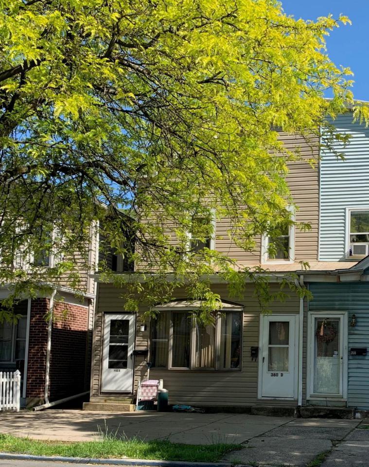360 Lehigh Ave - Photo 1
