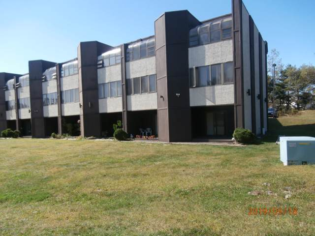 146 Foxfire Dr, Mount Pocono, PA 18344 (MLS #PM-72662) :: Keller Williams Real Estate