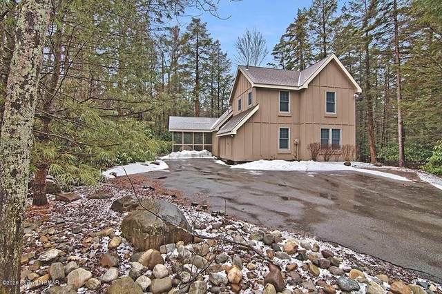 112 Halfmoon Rd, Pocono Pines, PA 18350 (MLS #PM-75665) :: RE/MAX of the Poconos