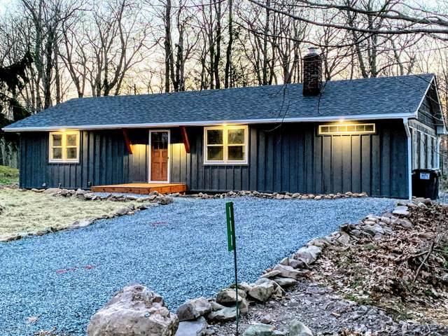 111 Pin Oak Ln, Tobyhanna, PA 18466 (#PM-86329) :: Jason Freeby Group at Keller Williams Real Estate