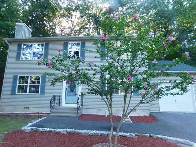 1109 Hunters Woods Dr, East Stroudsburg, PA 18301 (MLS #PM-80390) :: Kelly Realty Group