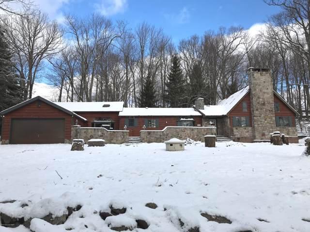 133 Crest Drive, Lake Harmony, PA 18624 (#PM-74258) :: Jason Freeby Group at Keller Williams Real Estate