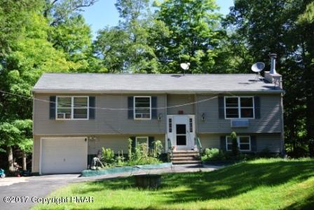 1329 Pocono Mountain Lake Dr, Bushkill, PA 18328 (MLS #PM-43738) :: Keller Williams Real Estate