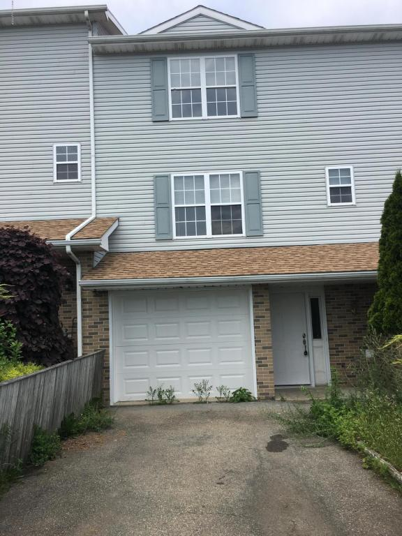 199 Victoria Arms Cir, Kunkletown, PA 18058 (MLS #PM-48085) :: RE/MAX Results