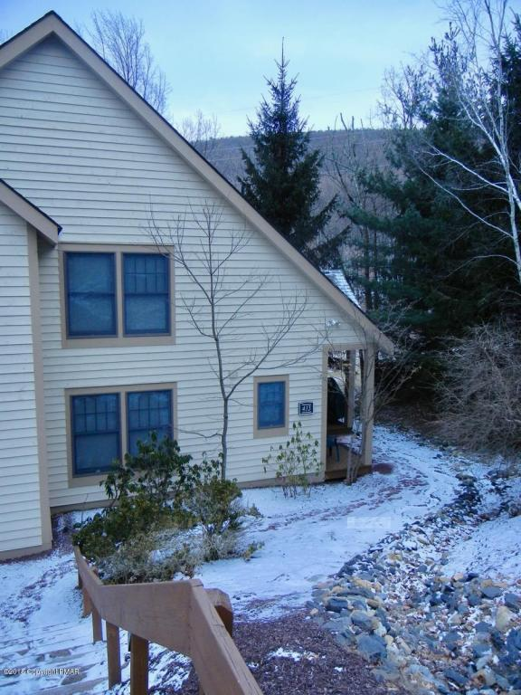 413 Hickory Dr, Tannersville, PA 18372 (MLS #PM-54359) :: RE/MAX Results