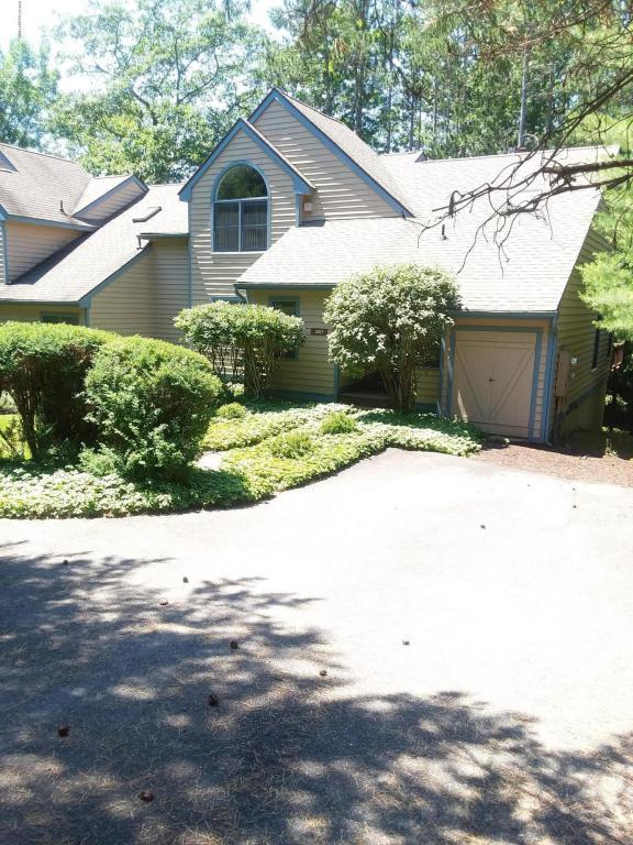 2157 Oak Hill Drive, Buck Hill Falls, PA 18323 (MLS #PM-59463) :: RE/MAX of the Poconos