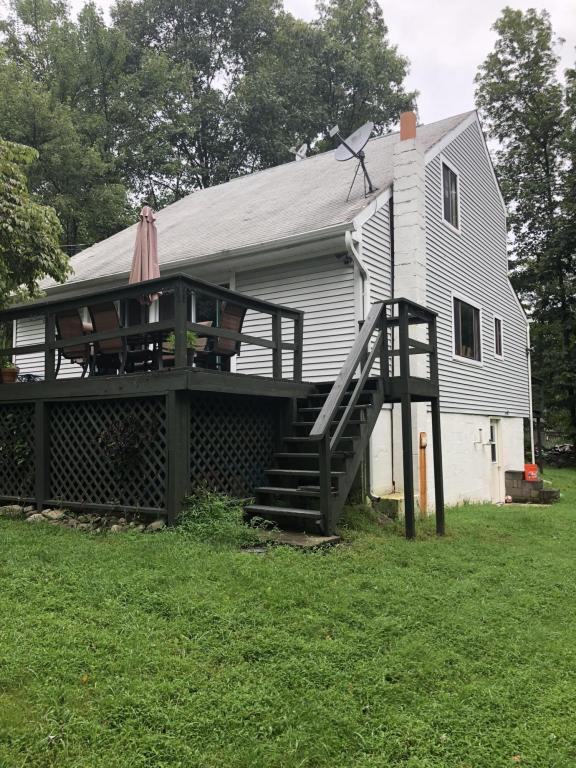 104 Bernadine Rd, East Stroudsburg, PA 18302 (MLS #PM-60666) :: RE/MAX of the Poconos
