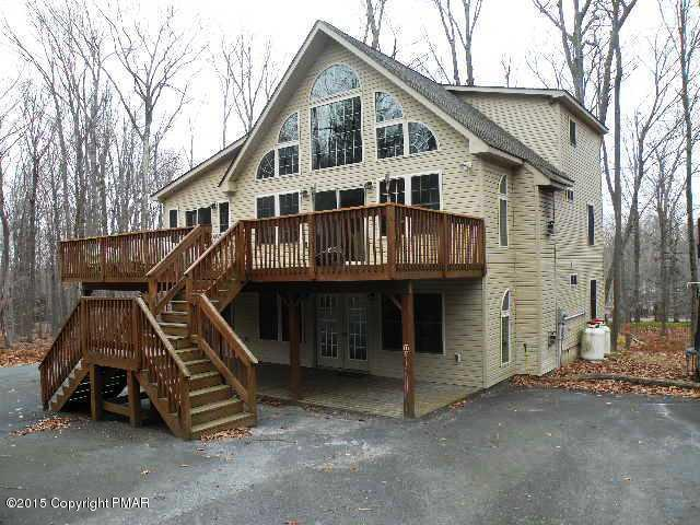 125 Hillside Terrace, Pocono Lake, PA 18347 (MLS #PM-62052) :: Keller Williams Real Estate