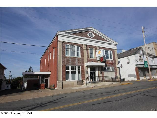 215 S Robinson Ave, Pen Argyl, PA 18072 (MLS #PM-62666) :: RE/MAX Results