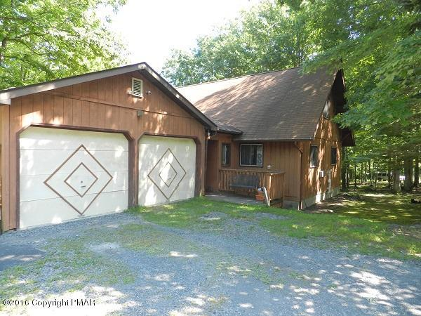 1103 Falls Rd, Bushkill, PA 18324 (MLS #PM-62950) :: RE/MAX Results