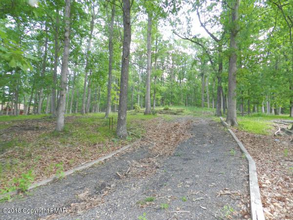 5356 E Woodbridge Dr, Bushkill, PA 18324 (#PM-70219) :: Jason Freeby Group at Keller Williams Real Estate