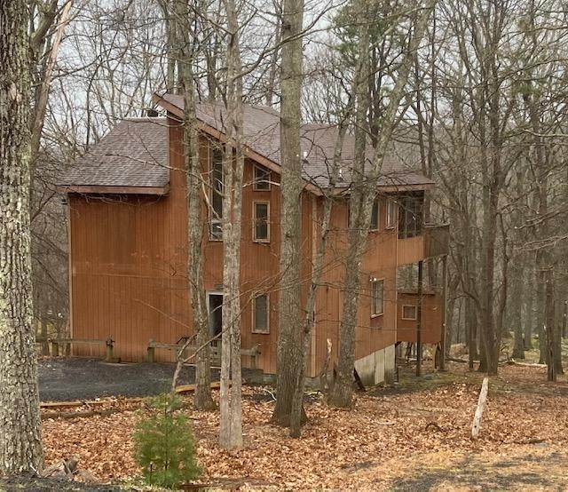 2214 Exeter Ct, Bushkill, PA 18324 (#PM-86635) :: Jason Freeby Group at Keller Williams Real Estate